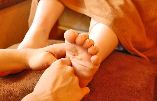 foot-reflexology-pic 今年のお疲れは今年の内に!One day Foot-Readingサロン at 大岡山  H30.12.30
